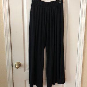 Uniqlo Pants - Long wide legged trousers